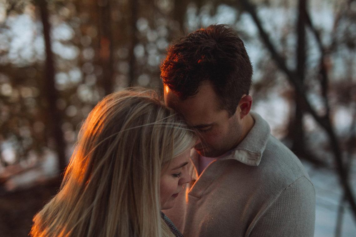 Chelsea & Jon – Winter Engagement